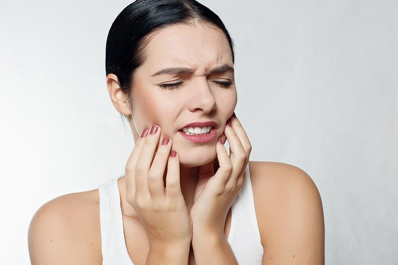 เช็กสุขภาพฟัน แบบไหนต้องพบทันตแพทย์ช่วง COVID-19